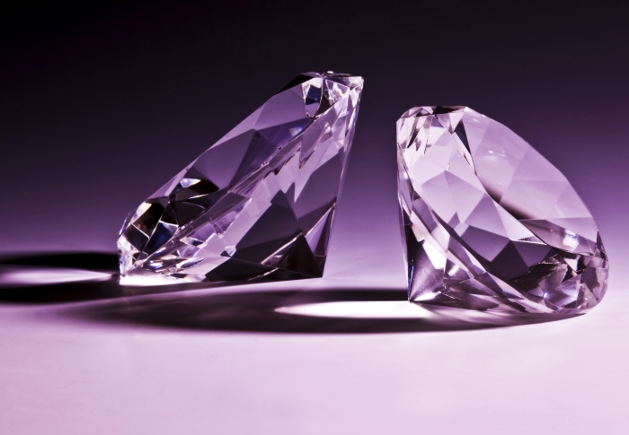 bright_crystal_diamond_1_highdefinition_picture1